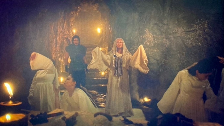 聖なる洞窟